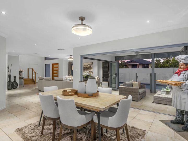 2 Leo Place, Bridgeman Downs, QLD