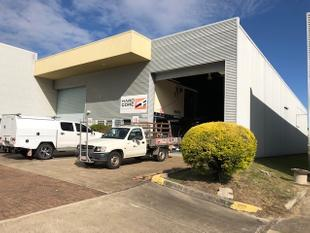 Great Warehouse/Office Space in the heart of Coopers Plains - Coopers Plains