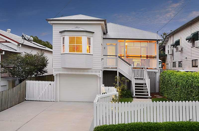 18 Robe Street, Newmarket, QLD 4051