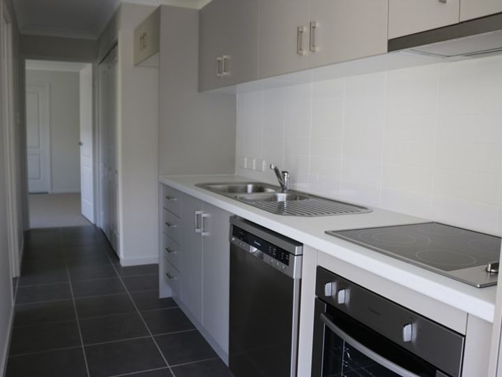1and2/66 Kyoto Street, Brassall, QLD