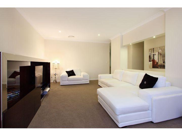 16 Bookleaf Place, Bridgeman Downs, QLD
