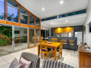 Renovated Queenslander in Private Location - Red Hill