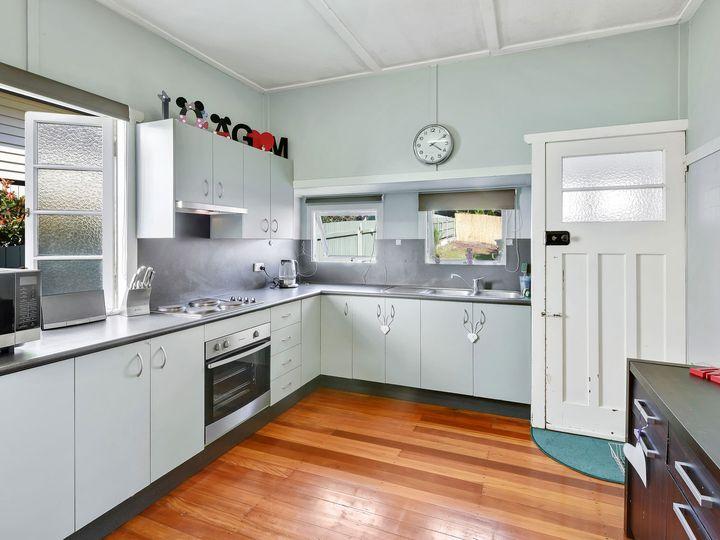 14 Stodart Street, Coorparoo, QLD