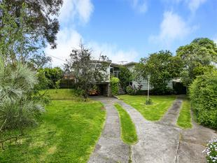 Retro home destined to please on 818sqm (approx) - Highett