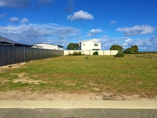 Opposite the Famous Pirate Park - Jurien Bay