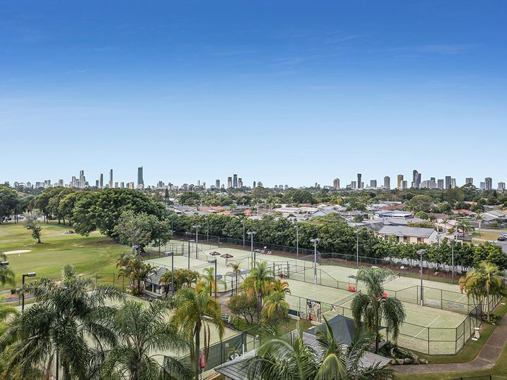42/11 Fairway Drive, Clear Island Waters, QLD
