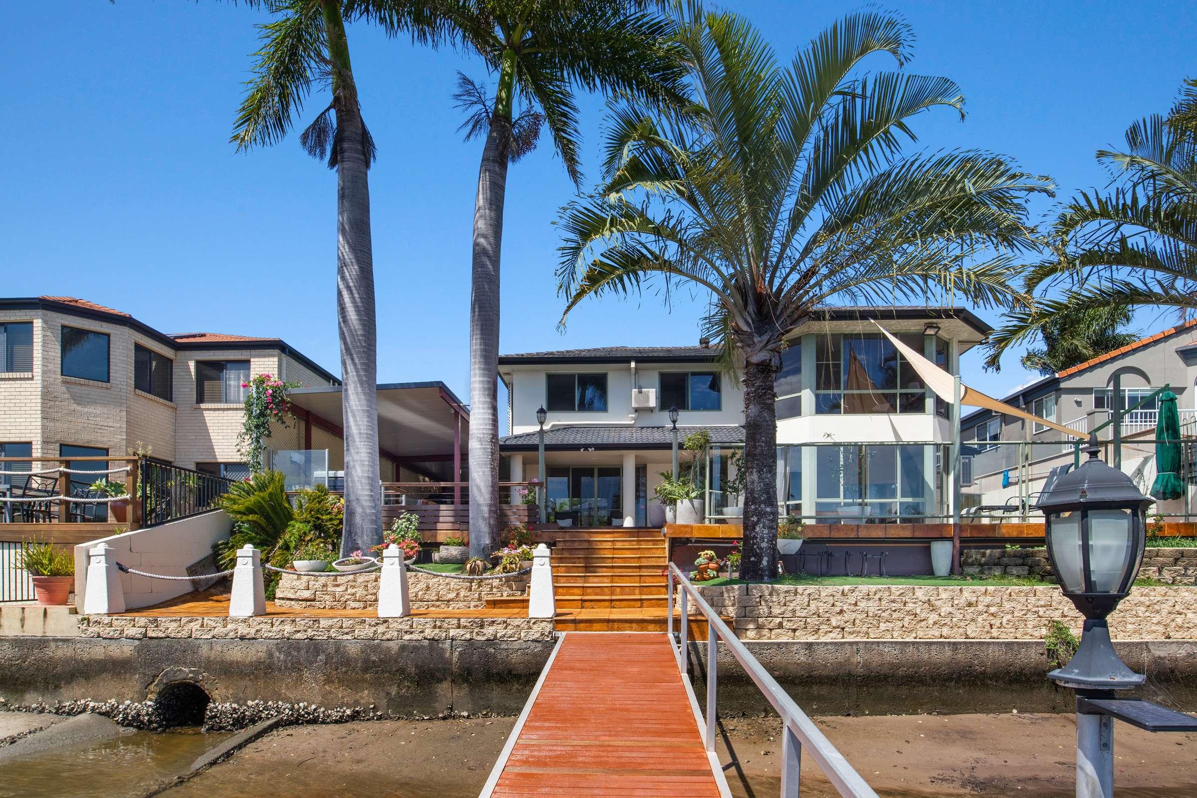 10 Folkstone Place, Runaway Bay, QLD 4216