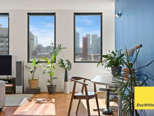 Southside Tower: Resort Style Living in Generous and Light-Filled Oasis - Southbank