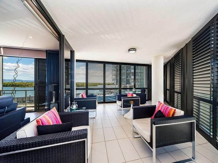 2304/1 Marina Promenade, Paradise Point, QLD