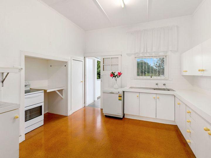 22 Gainsborough Street, Moorooka, QLD