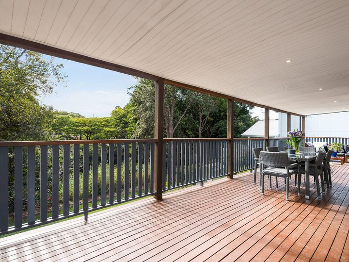 14 Hartfield Drive, Bardon, QLD