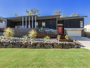 Architecturally Designed Home Unlike Any Other!!! - Coomera Waters