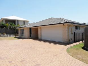EASY CARE MODERN HOME IN STRETTON COLLEGE CATCHMENT - Calamvale