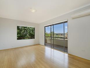 Superbly located ground floor two bedroom apartment - Queenscliff