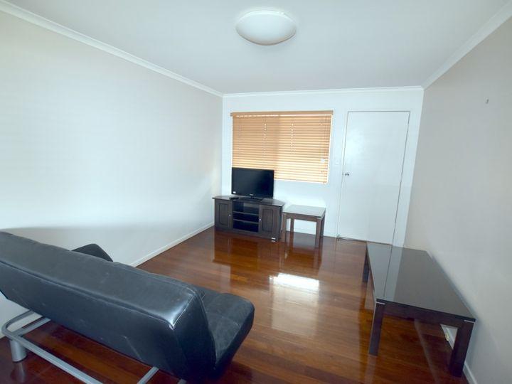 1 Walters Avenue, West Gladstone, QLD