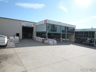 Quality Flood Free Warehouse/Office Unit - Sumner