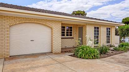 1/1 Anglers Court, West Lakes Shore