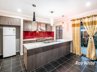 QUARTERS ESTATE - 3 BEDROOM FAMILY HOME!! - Cranbourne West