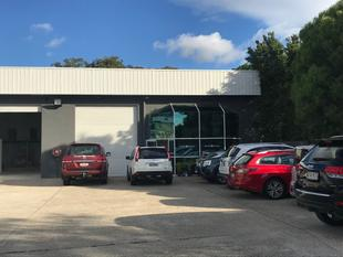 Pristine Warehouse In Prime Ashmore Location - Ashmore