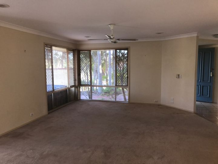 15 Cook Close, Southport, QLD