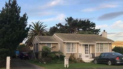27 Whanga Crescent, Titahi Bay