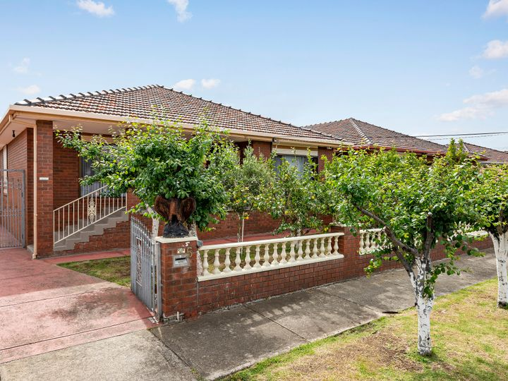 5 Heany Court, Thomastown, VIC