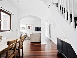 Oversized entertainer's retreat with dual rental income - Stanmore