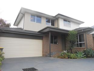 MODERN TOWNHOUSE AND READY FOR YOU - Oakleigh