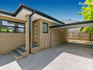 Deluxe unit in a stellar location! - Bayswater