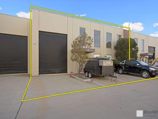 MODERN WAREHOUSE/ OFFICE  EXCEPTIONALLY WELL PRESENTED! - Clayton South