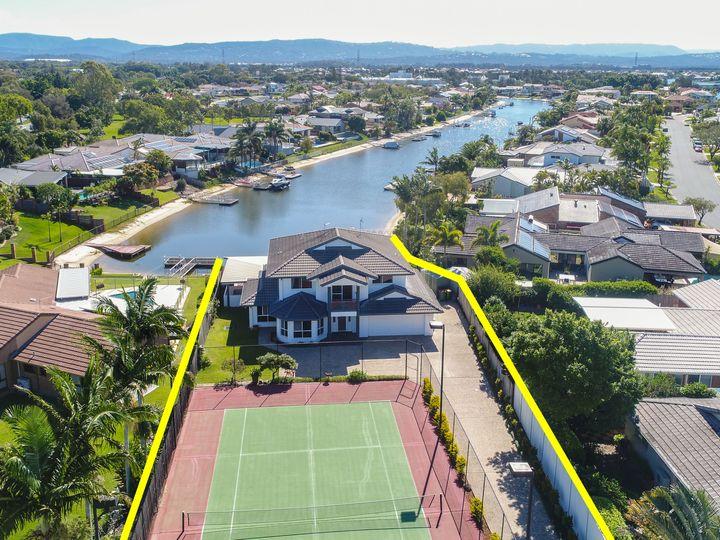 4 Saxonvale Terrace, Mermaid Waters, QLD