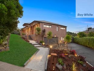 Spacious Family Living with Stunning Views! - Mernda