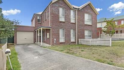 1 Bentley Place, Ballarat East