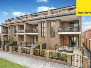 CONVENIENTLY LOCATED MODERN TOWNHOUSE - Lidcombe