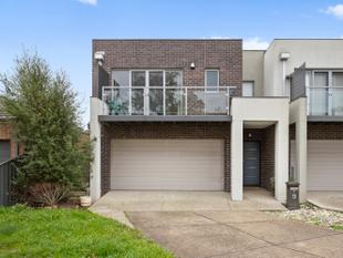 Modern Townhouse - Epping
