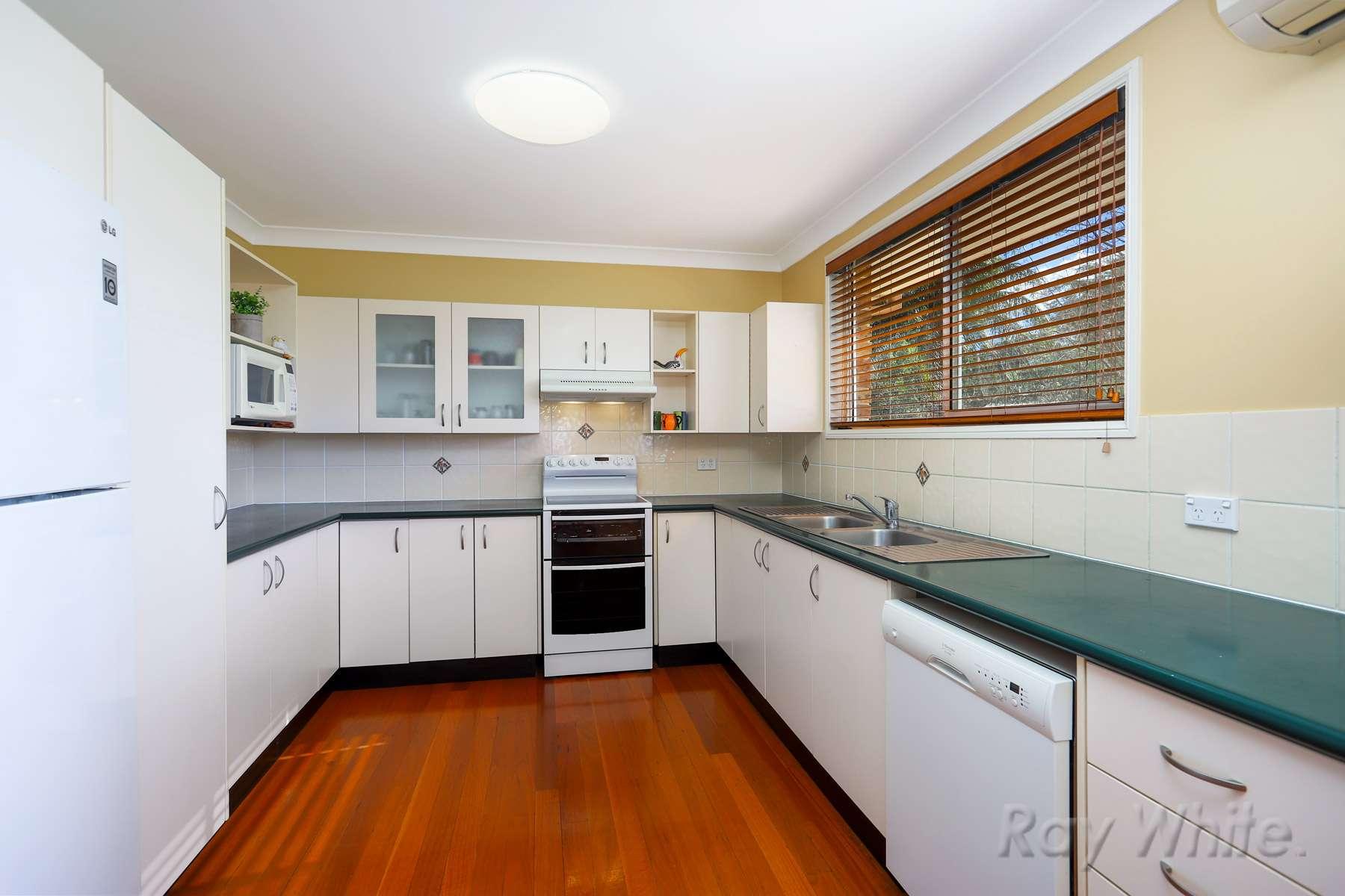 6 Erringhi Place, McGraths Hill, NSW 2756
