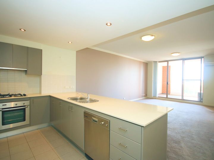 613/21 Hill Road, Wentworth Point, NSW