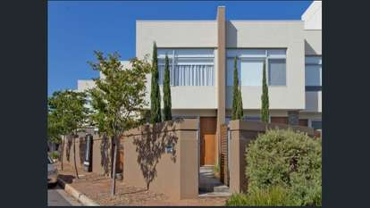 10 Cappers Drive, Brompton