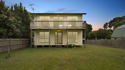 28 Happy Valley Drive, Sunset Strip