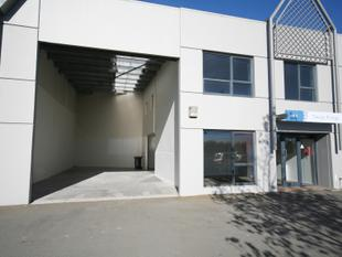 North Facing Office/Warehouse - Central Location - Addington