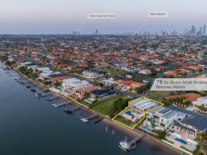 75 Sir Bruce Small Boulevard, Benowa Waters, QLD