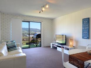 QUIET LOCATION WITH GREAT VIEWS - Furnished Unit - Gerringong