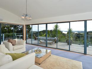 Modern, Tranquil and Picturesque... - Opua