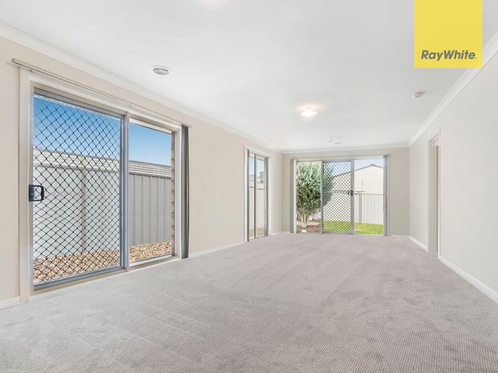 292 Clarkes Road, Brookfield, VIC