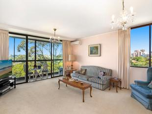 Views, Space And Scope In Large Secure Apartment - Woollahra
