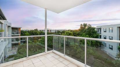 635/64 Sickle Avenue, Hope Island