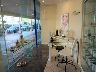 Beautifully Presented & Move In Ready Day Spa In Dockside Hotel Retail Precinct - Kangaroo Point