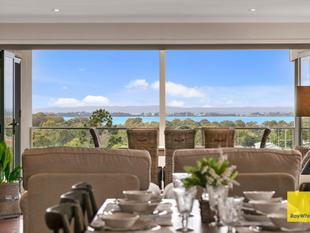 Beautiful Home with Bay Views - AUCTION THIS SATURDAY 10.30AM - Manly West