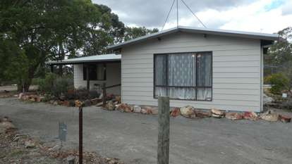 106 Fourth Avenue, Kendenup