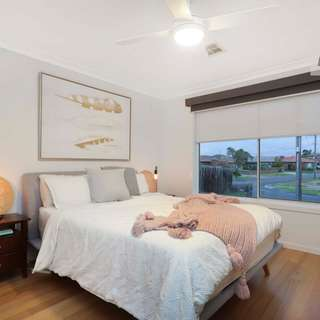 Thumbnail of 7 Dunfield Drive, Gladstone Park, VIC 3043